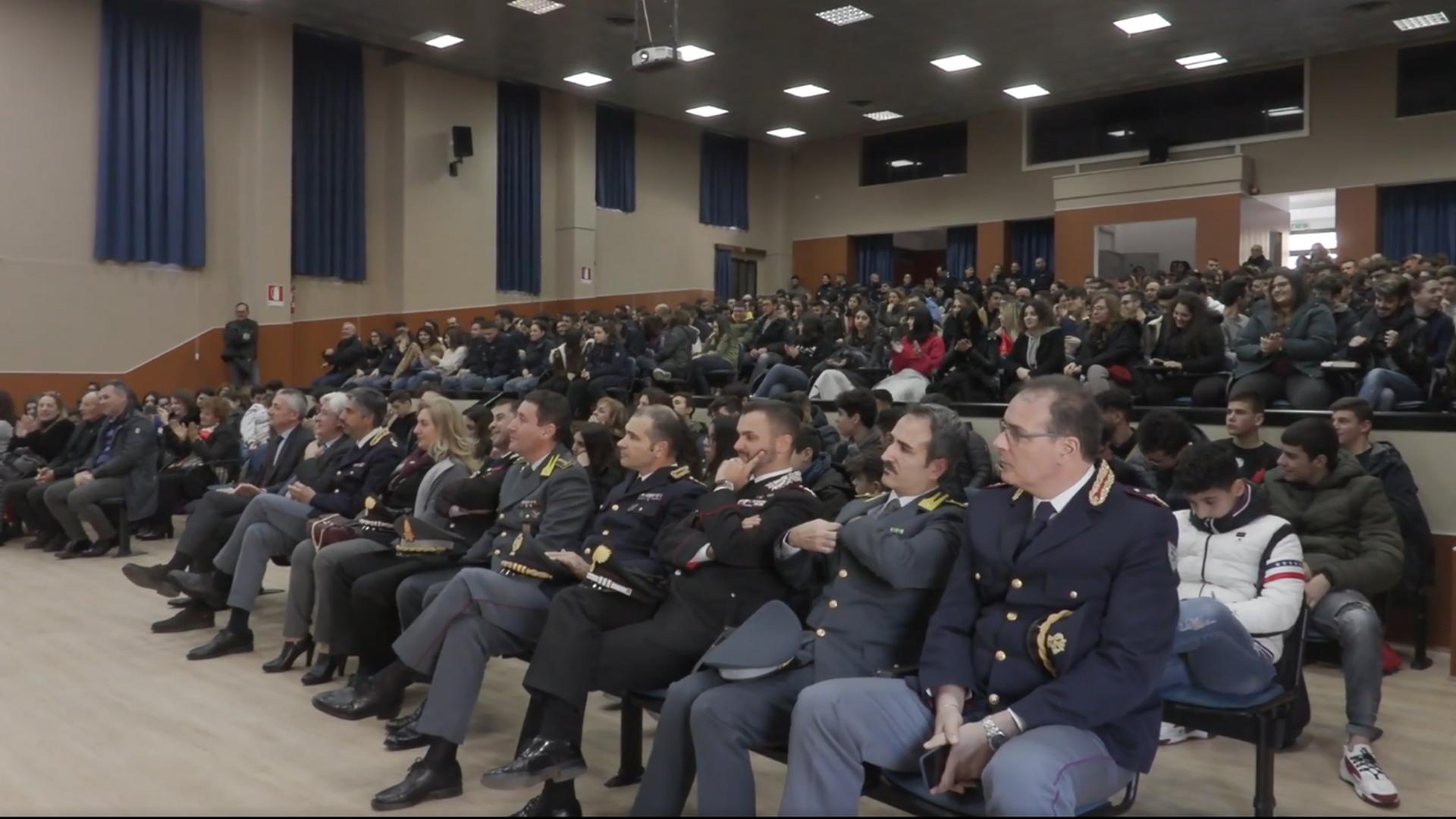 """Proiezione """"Terra Mia"""" alla Scuola Allievi di Polizia di Vibo Valentia"""