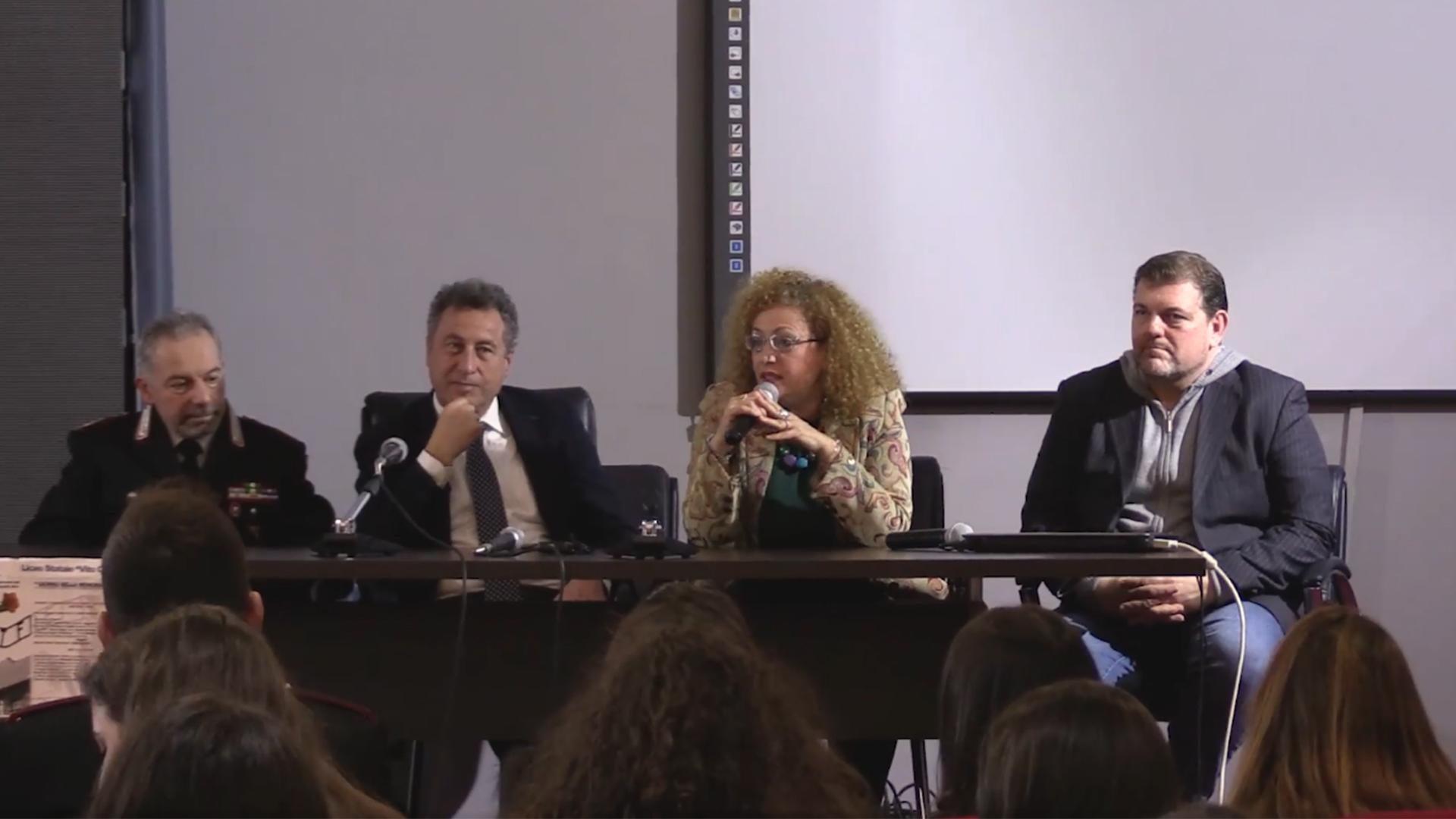 """Proiezione di """"Terra Mia"""" al Liceo Statale """"Vito Capialbi"""""""