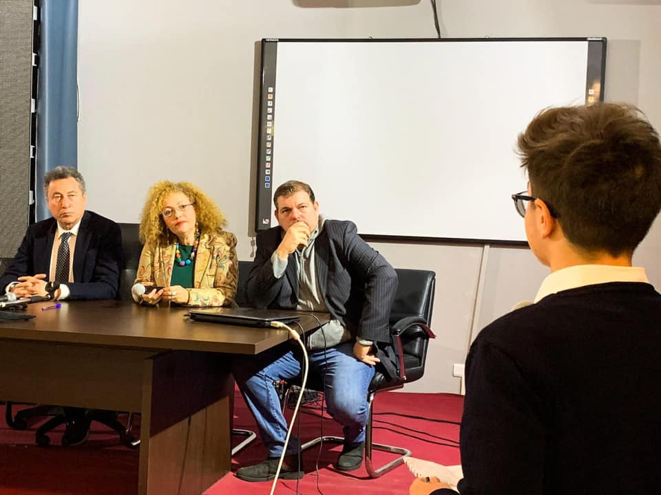 """Le domande dei ragazzi del Liceo statale """"Guido Capialbi"""" di Vibo Valentia"""